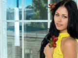 536969_jeltaya_vzglyad_kofta_milaya_1920x1200_www.GdeFon.ru_